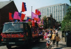 The carnival procession through Broomhall