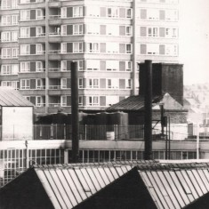 Viners factory and Hanover Flats tower block, May 1978   Photo: Tony Allwright