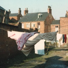 Washing lines at rear of Travis Place, February 1980 | Photo: Tony Allwright