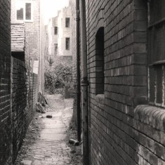 Alleyway at top of Broomspring Lane, May 1979 | Photo: Tony Allwright
