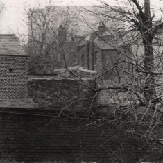 Backs of houses with Hallamshire Hospital in background, May 1979   Photo: Tony Allwright