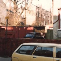 Garages, Broomhall. February 1980   Photo: Tony Allwright