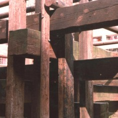 Broomhall Flats wooden climbing frame, June 1980 | Photo: Tony Allwright
