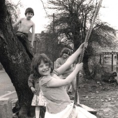 Young adventurers, Broomhall adventure playground. May 1979 | Photo: Tony Allwright