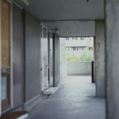 Walkway at Broomhall Flats, July 1978 | Photo: Tony Allwright