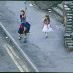 Three children on street, Broomhall Flats. July 1978 | Photo: Tony Allwright