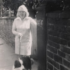 Vera Barker and her dog outside 255 Broomhall St, 1966 | Photo: Lynn Pearson