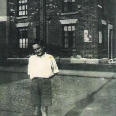 Derek Giddings on Monmouth St, c.1948 | Photo: Maureen Giddings