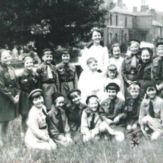 Brownie Group with the May Queen, grounds of Hanover Church. 1960s | Photo: Maureen Giddings