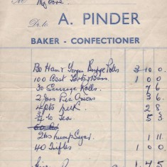 Pinders receipt for Malcolm and Josie's wedding reception.1960 | Photo: Josie Moore