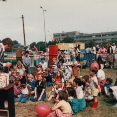 Magician and young audience, Broomhall Carnival. Date unknown. | Photo: Broomhall Centre