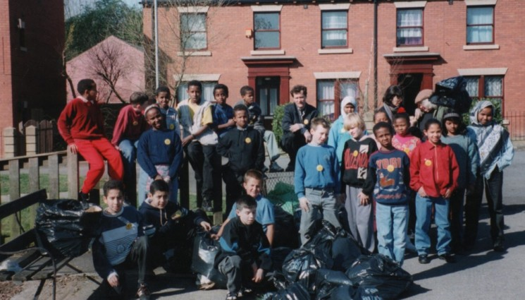 Litter-collecting team: part of Environment Week. 1990s | Photo: Broomhall Centre