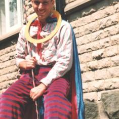 Stilt-man outside Broomhall Centre. Broomhall Carnival, 1990s | Photo: Broomhall Centre