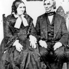 Thomas Hayball and his wife | Photo: SALS PSy00524