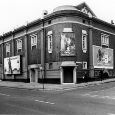 The Star Picture House, Ecclesall Road junction of William Street. 1974 | Photo: SALS PSs02712