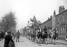Sanger's Circus parade through Broomhall