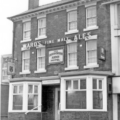 Devonshire Arms Public House, Ecclesall Road. 1979 | Photo: SALS PSs21847 & Sheffield Newspapers