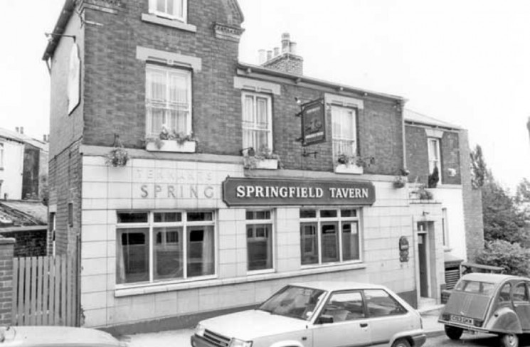 Springfield Tavern, Broomspring Lane, Broomhall. 1989 | Photo: SALS PSs22099