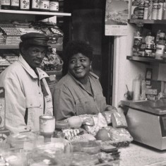 Local shopkeepers in Broomhall. 1990s | Photo: Broomhall Centre