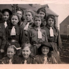 New style berets worn by some guides. 1948 | Photo: Audrey Russell