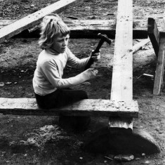 Young boy holding a hammer. 1970s | Photo: Our Broomhall