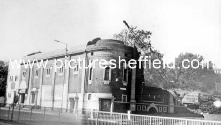 Demolition of The Star Picture House, Ecclesall Road junction of William Street. 1986 | Photo: SALS PSs21325