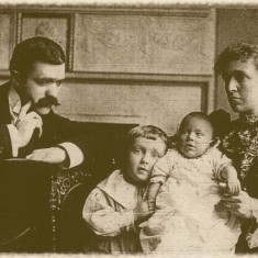 James H. Stainton, Frank, Kenneth (baby) & Ada Ellis Stainton. 1898 | Photo: Jenny Clark