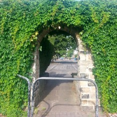 Archway to Holberry Gardens. 2013 | Photo: Our Broomhall