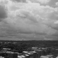 Southern suburbs of Sheffield from the Hanover Flats roof. August 2014 | Photo: Jepoy Sotomayor