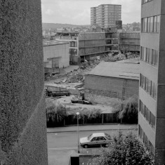 Demolition of Viners cutlery factory from Broomhall Flats, 1985 | Photo: Adrian Wynn