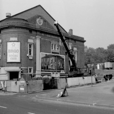 The Star Picture House awaiting demolition. Corner of William St and Ecclesall Rd, 1982 | Photo: Adrian Wynn