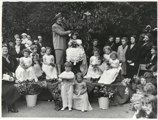 May Queen Crowning, c1930s | Photo: Broomhall Nursery
