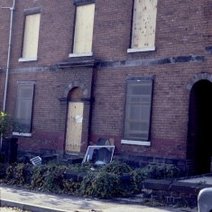 Boarded-up building, c.1988 | Photo: Broomhall Centre