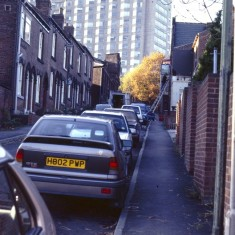 Broomspring Lane showing Springfield pub, c.1988 | Photo: Broomhall Centre